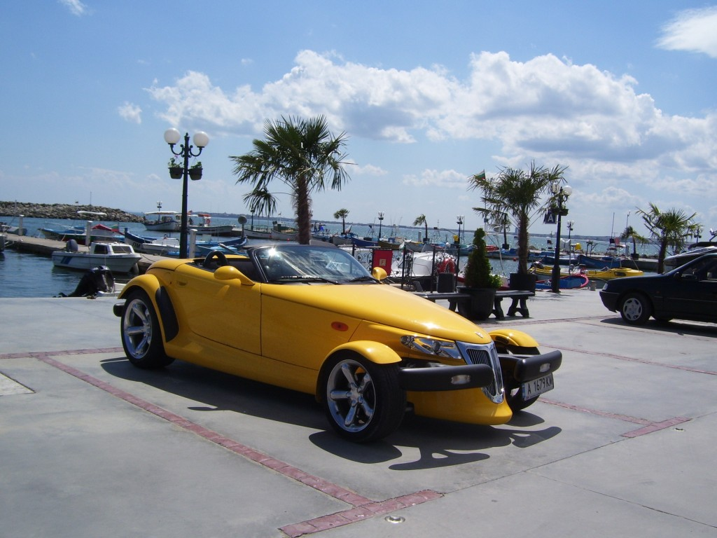Yellow car Vlas Marina
